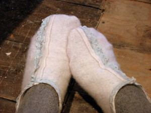 how to quick felt slippers