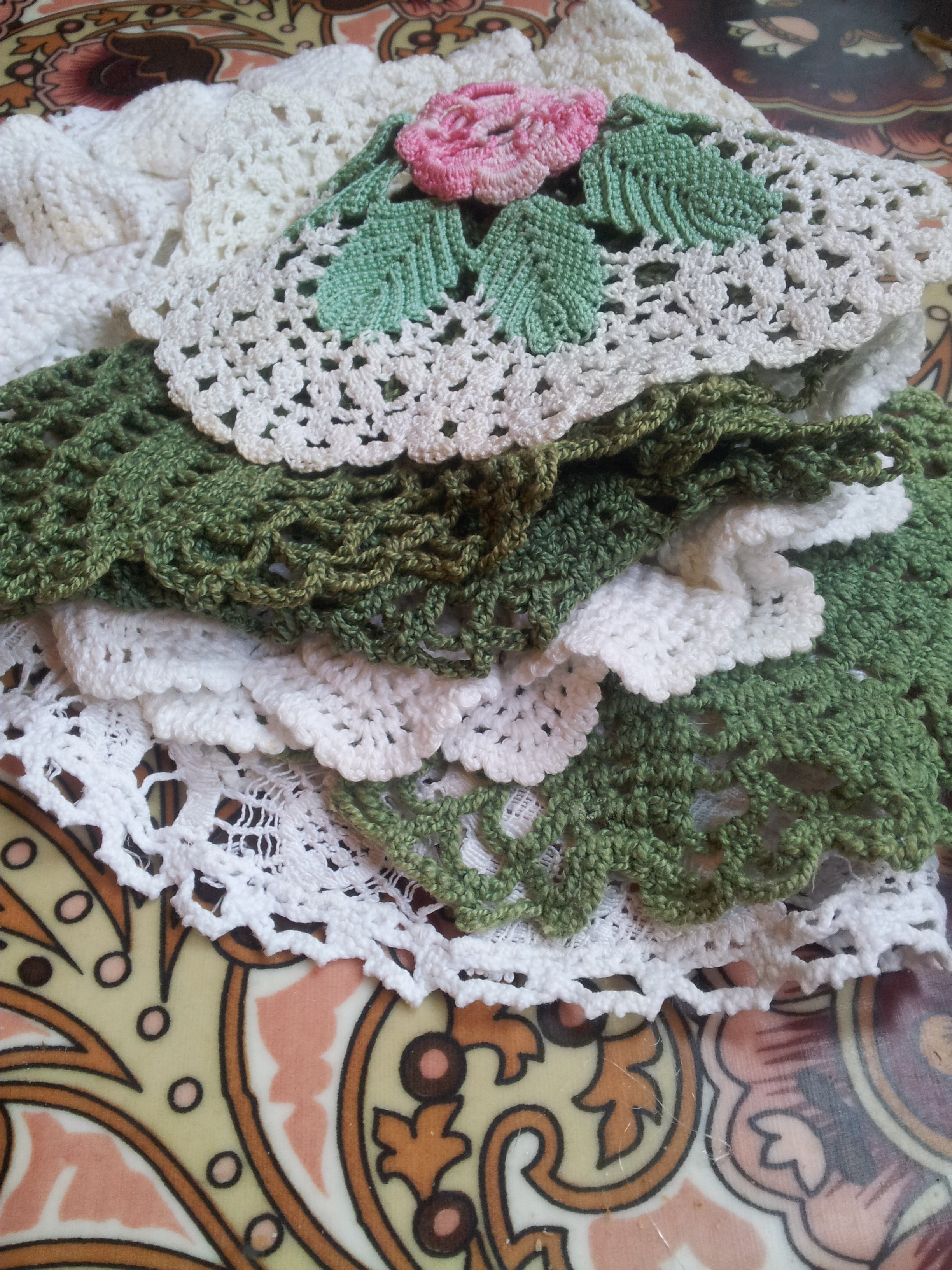 Stack doilies