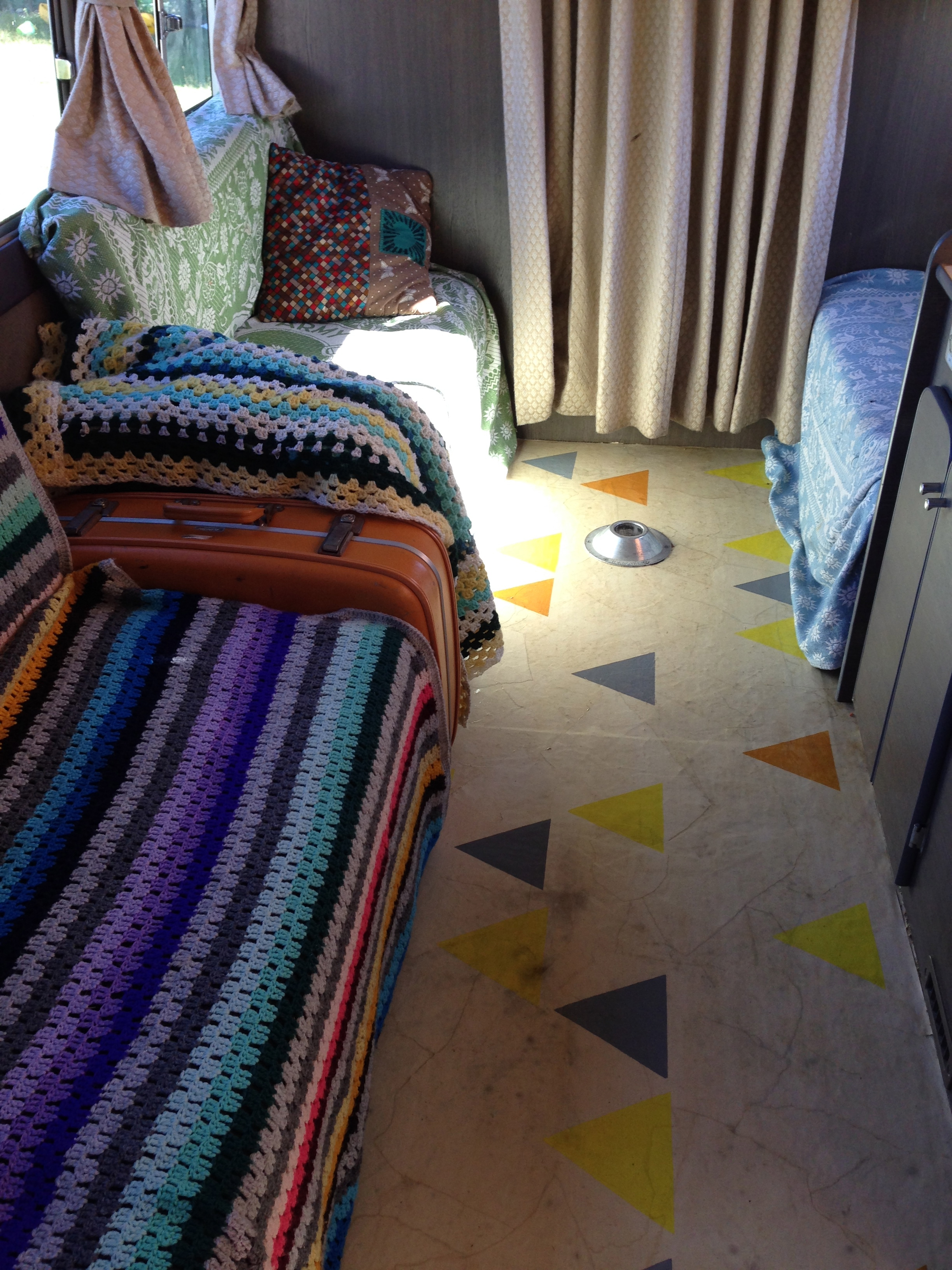 geometric floor pattern DIY