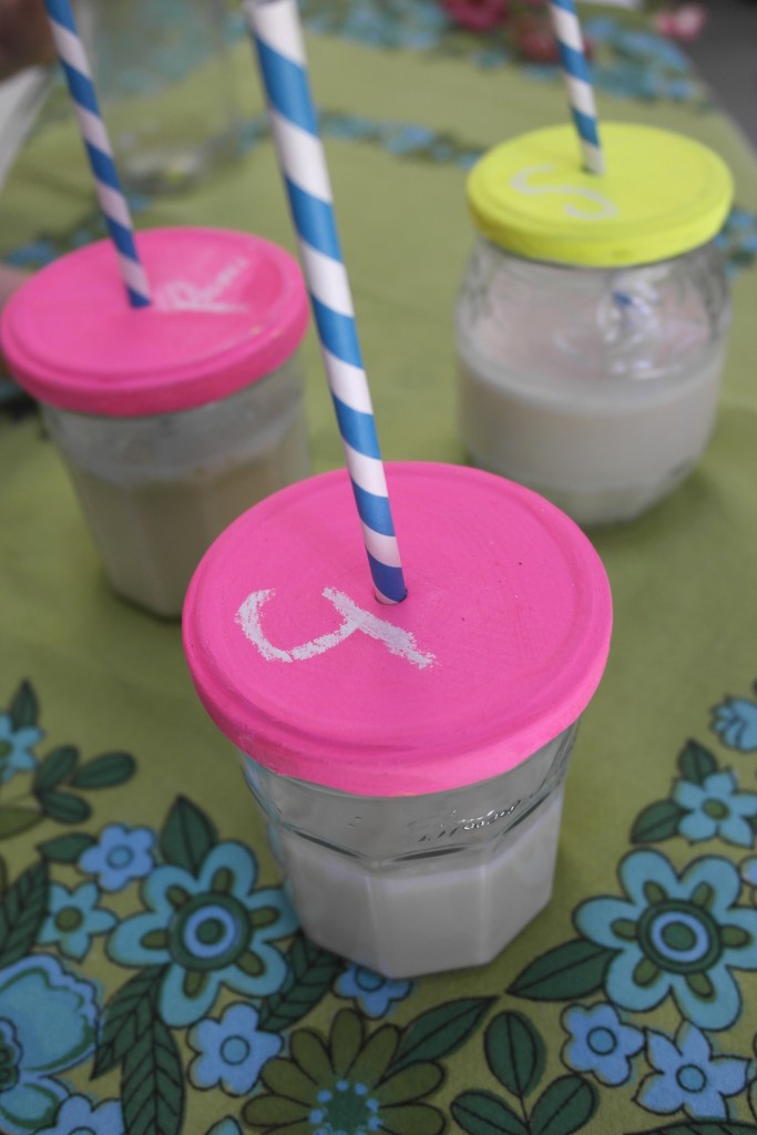 DIY Jar Lids with Straws - chalkboard paint makes them a fun party accessory