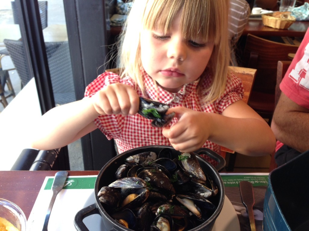 Paris with kids - moules and frites